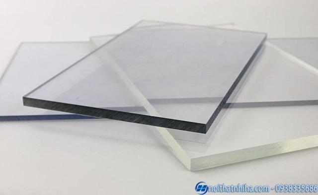 Tấm polycarbonate đặc ruột 4mm