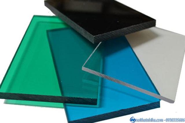 tam polycarbonate dac ruot 7 tấm polycarbonate đặc ruột