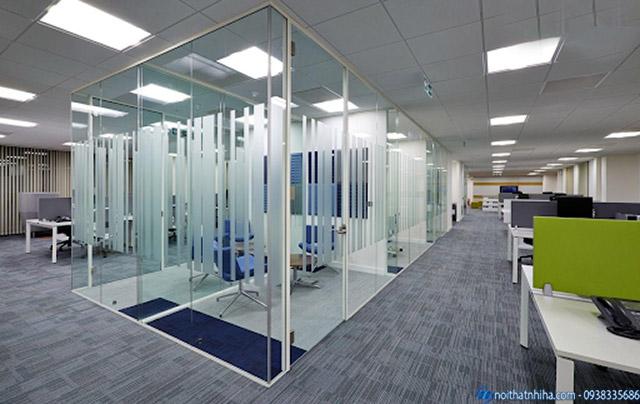 Vách kính lửng cho phòng họp