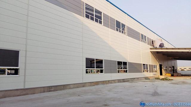 Nhà xưởng được ốp tấm Panel giúp chống thấm nước